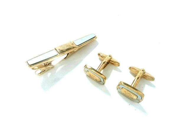 バーバリーズ アクセサリー 金属素材 シルバー×ゴールド ネクタイピン&カフスセット