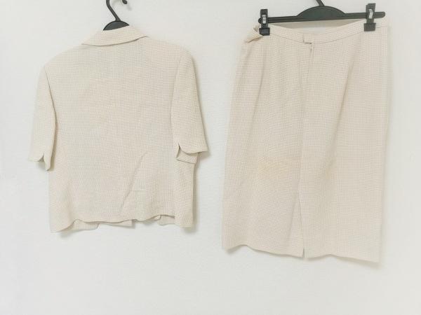 lapine blanche(ラピーヌブランシュ) スカートスーツ レディース ベージュ×白