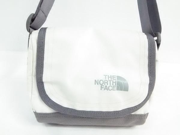 ノースフェイス ショルダーバッグ アイボリー×グレー PVC(塩化ビニール)×ナイロン