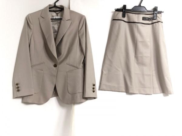 トゥルートラサルディ スカートスーツ サイズ38 M レディース ベージュ