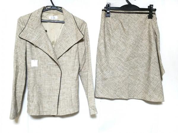 プチプードル スカートスーツ レディース美品  白×ダークブラウン×マルチ