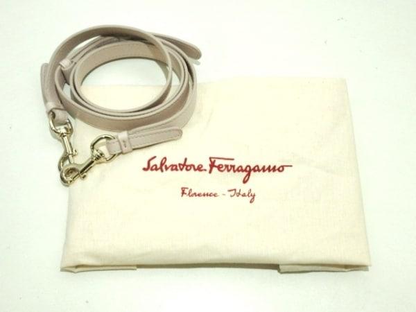 サルバトーレフェラガモ トートバッグ美品  フラール 21G914/01 ピンク×白×パープル