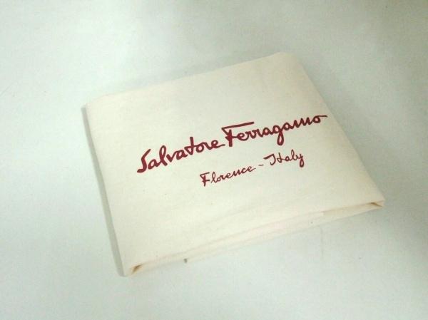 SalvatoreFerragamo(サルバトーレフェラガモ) ハンドバッグ ガンチーニ 黒 レザー