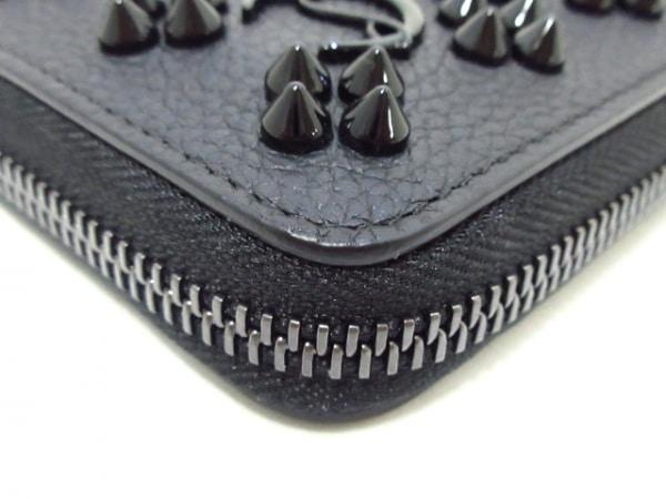 クリスチャンルブタン コインケース美品  黒 ラウンドファスナー/ビーズ レザー