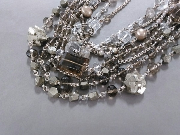 スティーブンデュエック ネックレス美品  金属素材×カラーストーン ビジュー