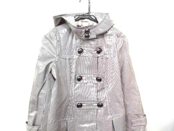 バーバリーブルーレーベル コート サイズ38 M レディース美品  白×黒