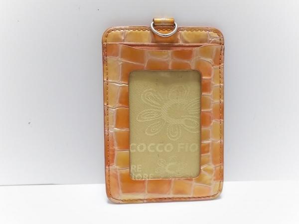 コッコフィオーレ パスケース ベージュ×オレンジ 型押し加工 エナメル(レザー)
