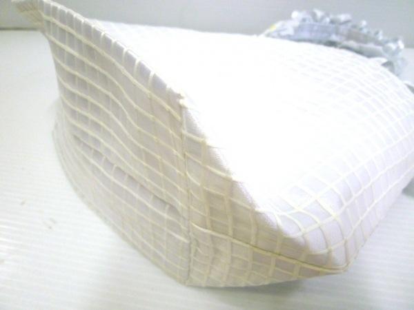 メゾンドフルール トートバッグ 白×ライトブルー×マルチ ポリエステル