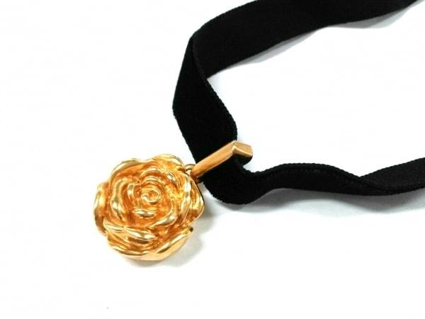 KENZO(ケンゾー) チョーカー美品  金属素材×ベロア ゴールド×黒 バラ