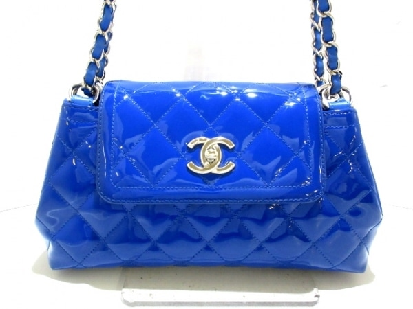 CHANEL(シャネル) ショルダーバッグ美品  マトラッセ ブルー×ライトブルー