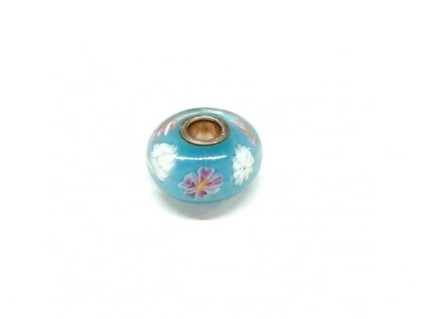 トロールビーズ アクセサリー美品  ガラス×シルバー ライトブルー×白×マルチ