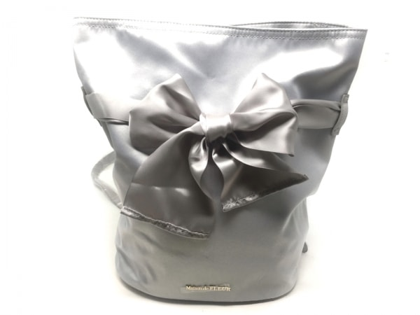 Maison de FLEUR(メゾンドフルール) リュックサック美品  ライトグレー サテン×合皮