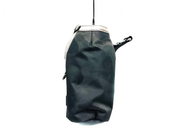 マークアンドロナ バッグ美品  グレー×シルバー×黒 ペットボトルホルダー