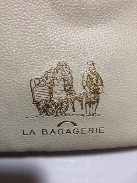 LA BAGAGERIE(ラバガジェリー) ショルダーバッグ美品  アイボリー 合皮