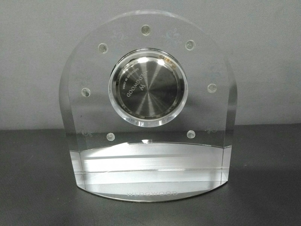 ウェッジウッド 小物美品  クリア×シルバー 置時計(動作確認できず)/ラインストーン