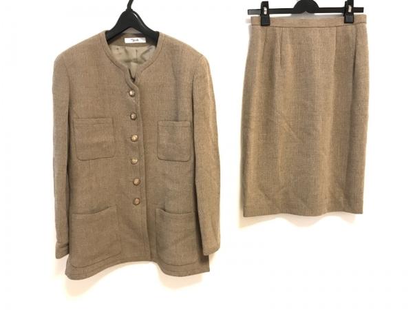 マダムジョコンダ スカートスーツ サイズ11 M レディース ベージュ 肩パッド