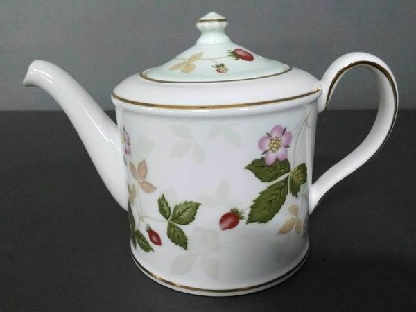 ウェッジウッド 食器新品同様  ワイルドストロベリー 白×グリーン×レッド 陶器