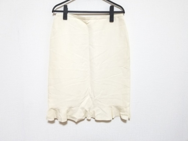 アルマーニコレッツォーニ スカート サイズ40 M レディース美品  アイボリー フリル