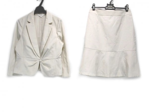 SunaUna(スーナウーナ) スカートスーツ サイズ38 M レディース アイボリー