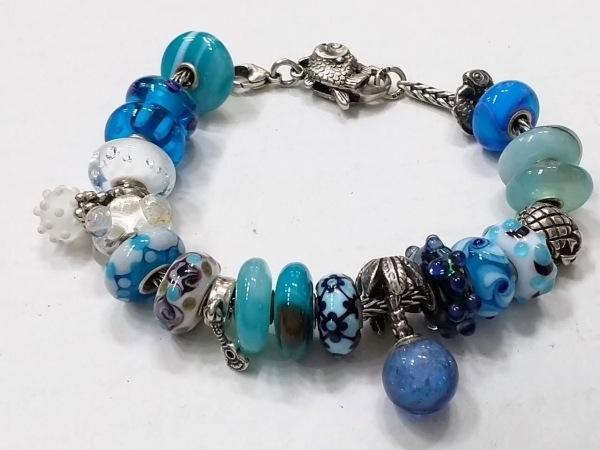 TROLLBEADS(トロールビーズ) ブレスレット美品  シルバー×ガラス ブルー×マルチ