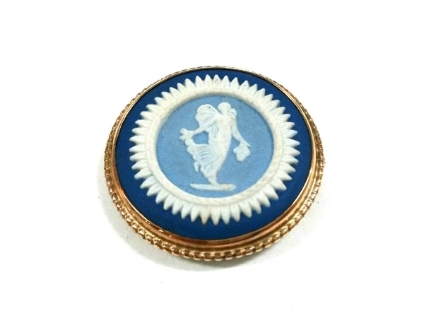 ウェッジウッド ブローチ美品  陶器×金属素材 ライトブルー×白×ゴールド カメオ