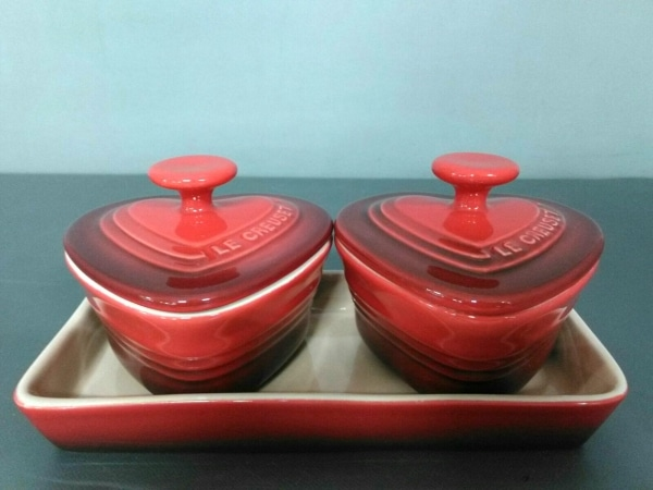 LE CREUSET(ルクルーゼ) 食器新品同様  レッド ハート/ココット×2 陶器