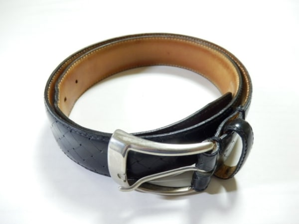 インターナショナルギャラリービームス ベルト 32 黒×シルバー レザー×金属素材