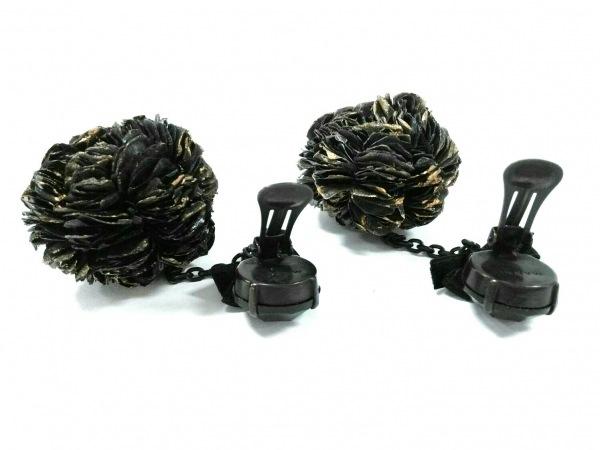 MARNI(マルニ) イヤリング 金属素材×化学繊維 黒 フラワー/リボン 3