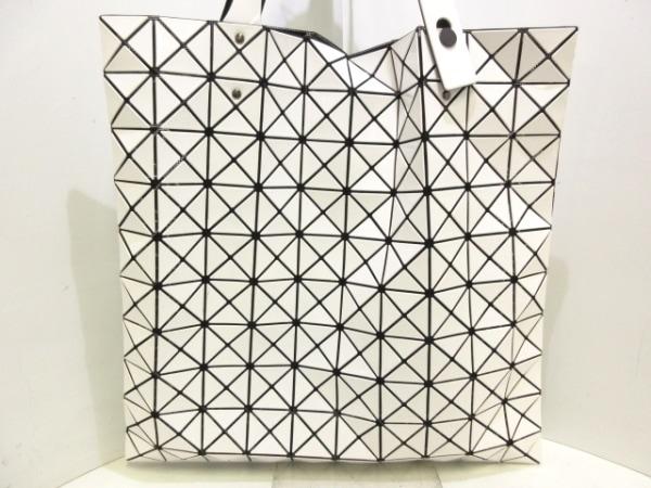 バオバオイッセイミヤケ トートバッグ美品  白×黒 PVC(塩化ビニール)×化学繊維