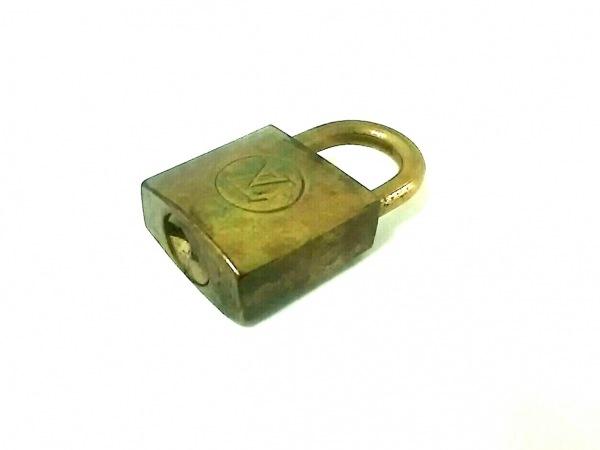 LOUIS VUITTON(ルイヴィトン) 小物 ゴールド パドロック/204 真鍮