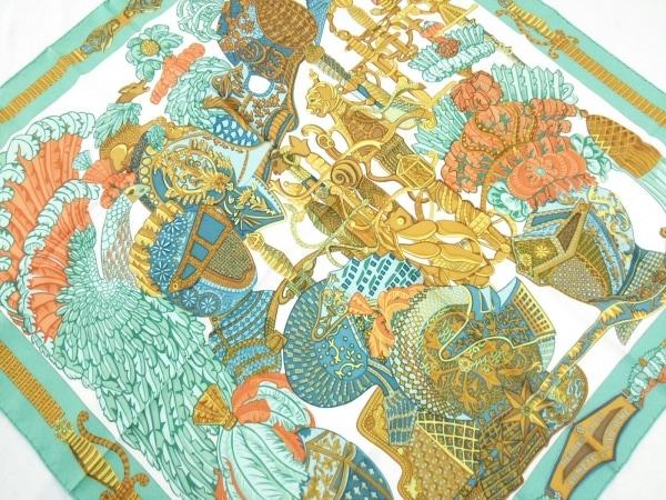 HERMES(エルメス) スカーフ カレ グリーン×オレンジ×マルチ ARMETS en PANACHE