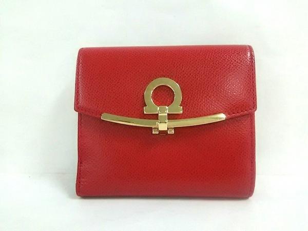 サルバトーレフェラガモ 2つ折り財布 ガンチーニ レッド×ゴールド レザー×金属素材