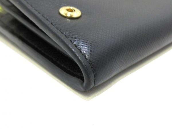 PRADA(プラダ) 長財布美品  - 黒×ゴールド レザー