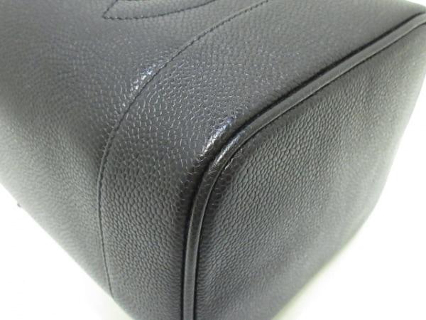 CHANEL(シャネル) バニティバッグ美品  - A01998 黒 ゴールド金具 キャビアスキン