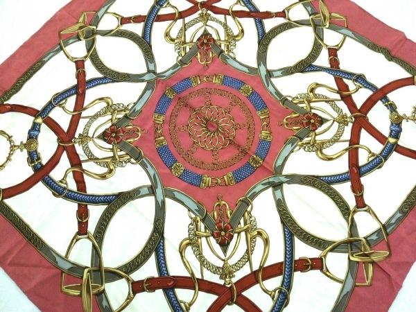 TRUSSARDI(トラサルディー) スカーフ アイボリー×ピンク×マルチ