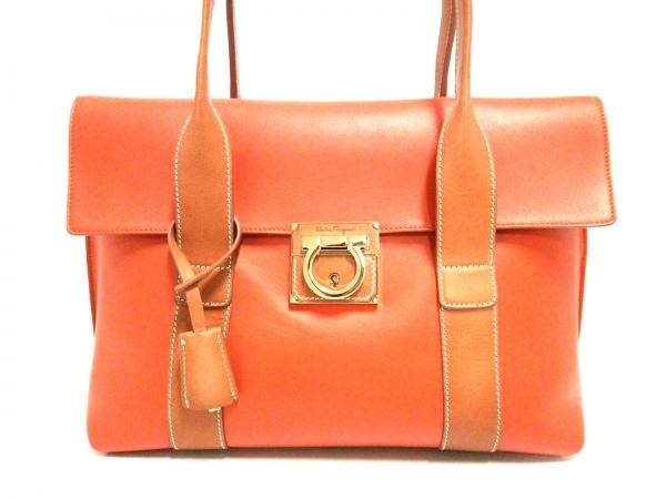 サルバトーレフェラガモ ハンドバッグ美品  - 21E532 オレンジ×ライトブラウン