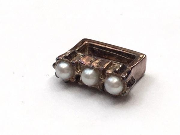 NOJESS(ノジェス) アクセサリー 金属素材×フェイクパール ゴールド×アイボリー