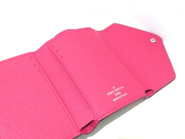ルイヴィトン 3つ折り財布 エピ美品  ポルトフォイユヴィクトリーヌ M62204