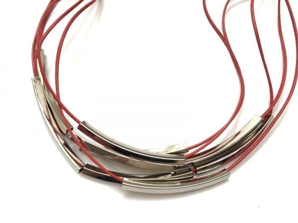 ギャバジンケーティ ネックレス美品  レザー×金属素材 レッド×シルバー