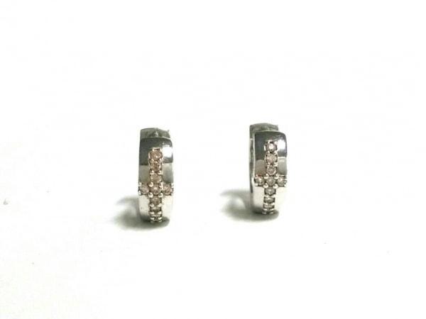 SAMISTAR-D(サミスター) ピアス美品  PWG9×ダイヤ 10Pダイヤ/0.19カラット(片方)