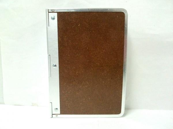 エンポリオアルマーニ 小物美品  ブラウン×シルバー バインダー ウッド×金属素材