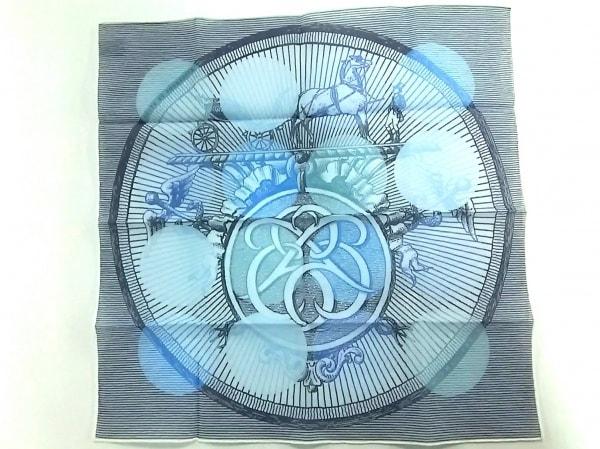 HERMES(エルメス) ハンカチ美品  ライトブルー×ブルー Suite et Poursuite