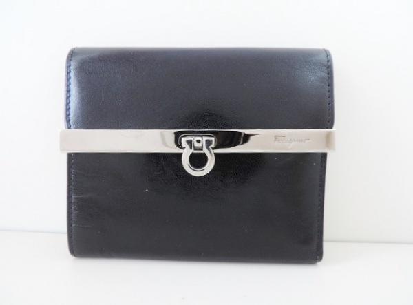 サルバトーレフェラガモ 3つ折り財布 ガンチーニ 黒×シルバー レザー×金属素材
