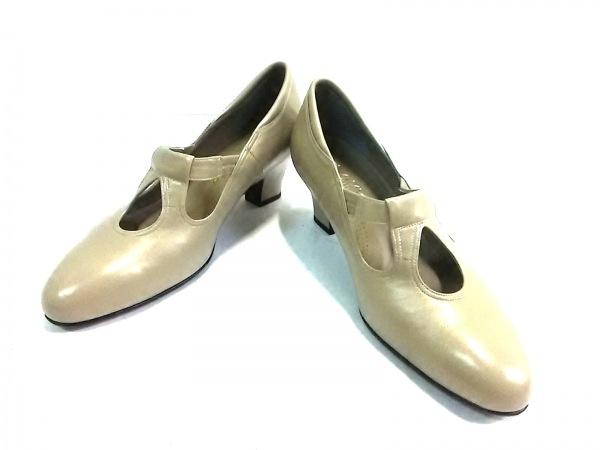 菊地武男の靴(キクチタケオノクツ) パンプス 23 EE レディース グレージュ レザー