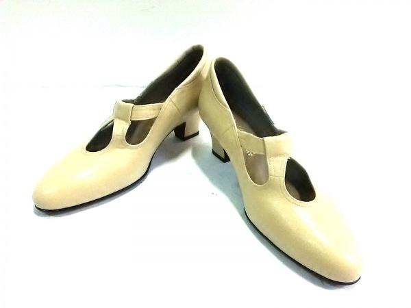 菊地武男の靴(キクチタケオノクツ) パンプス 23 EE レディース ベージュ レザー
