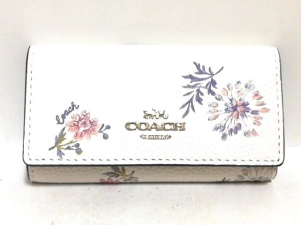 COACH(コーチ) キーケース美品  - 72407 白×ピンク×マルチ レザー