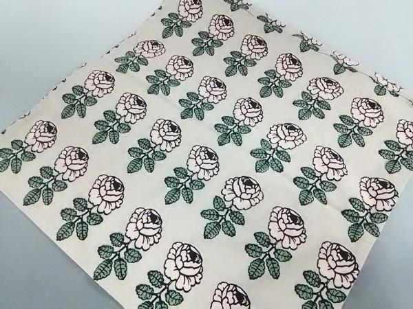 マリメッコ 小物美品  ベージュピンク×グリーン×黒 クッションカバー/花柄 コットン