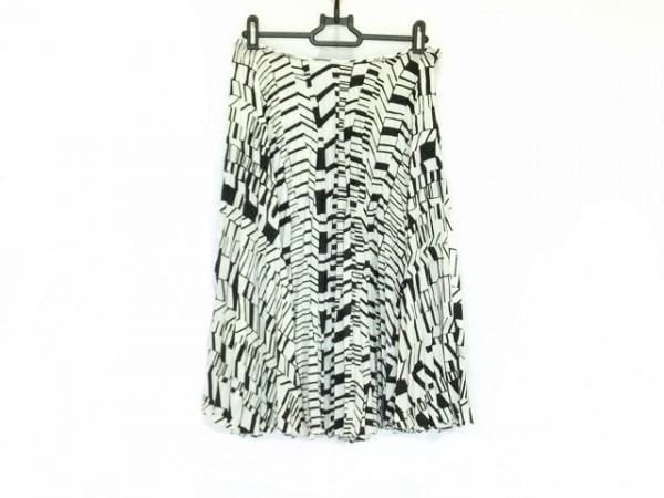 miumiu(ミュウミュウ) スカート サイズ42 M レディース 白×黒 プリーツ