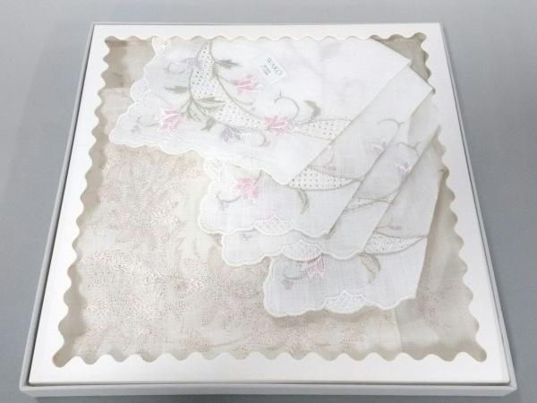 WAKO(ワコー) ハンカチ新品同様  白×アイボリー×マルチ レース/刺繍/2枚セット