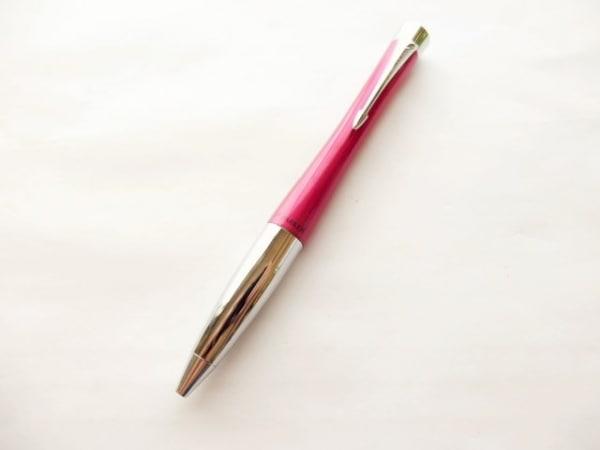 PARKER(パーカー) ボールペン美品  ピンク×シルバー インクあり(黒) 金属素材